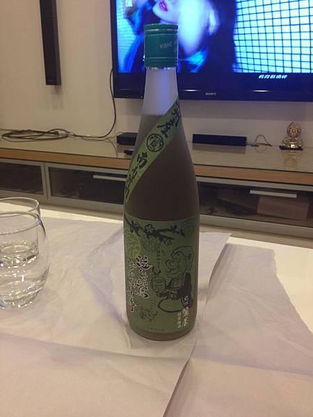 姊妹帶來的綠茶梅酒 很順好好喝 alc.12%