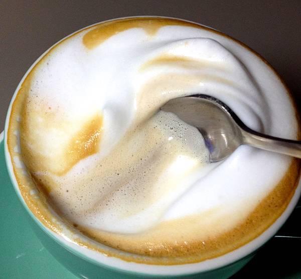蜂蜜卡布拿鐵-奶泡