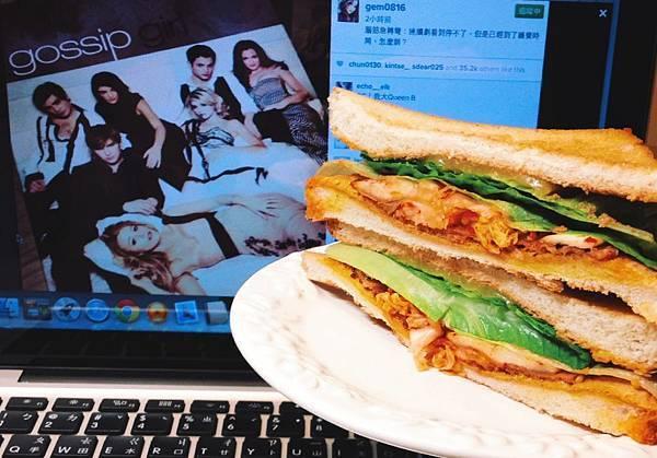 泡菜牛肉三明治