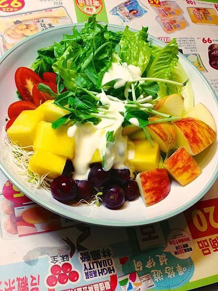 鮮果沙拉(百香果酸奶醬汁)