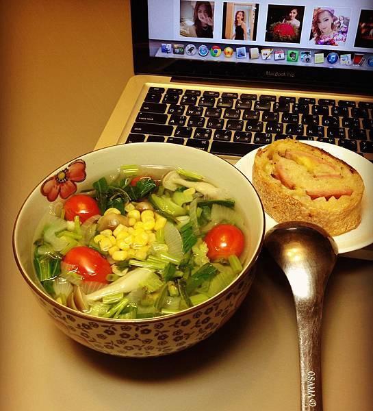 菜湯+自製麵包