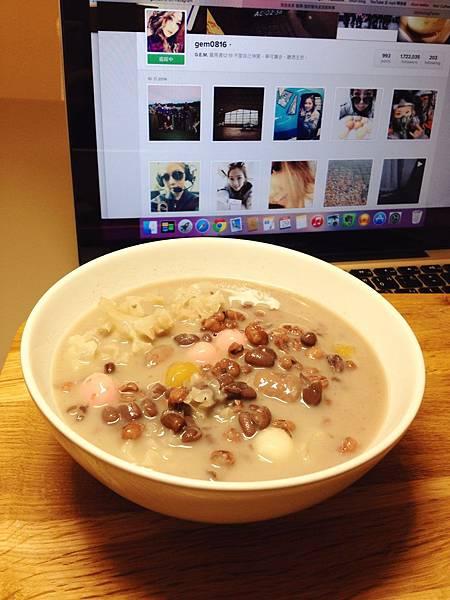 紅豆薏仁牛奶+湯圓
