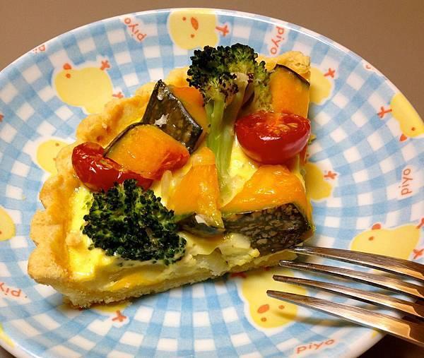 一塊南瓜蔬菜鹹派