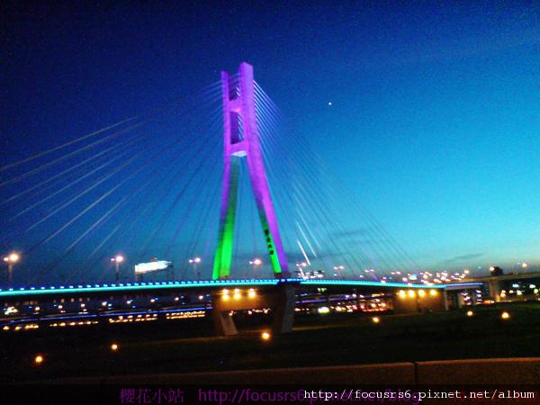 通車後傍晚的新北大橋