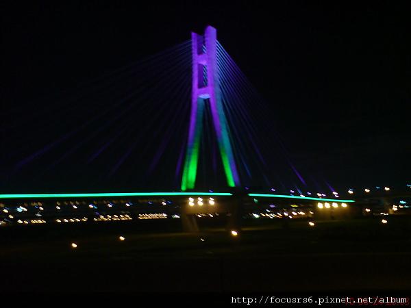 還未通車漂亮的橋橋(每天下班都會經過)