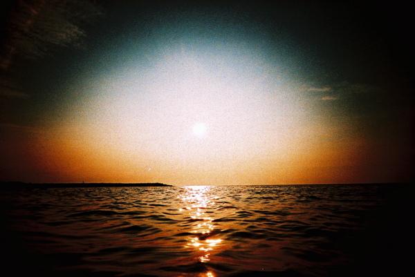 好漂釀好蘇胡的海邊落日,再一起去海邊吧!!