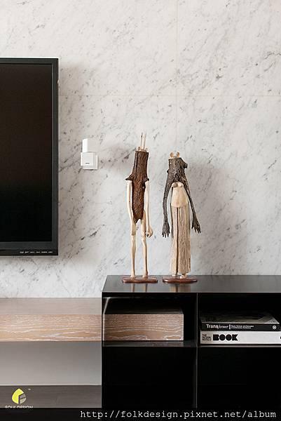 ▲客廳電視牆一偶