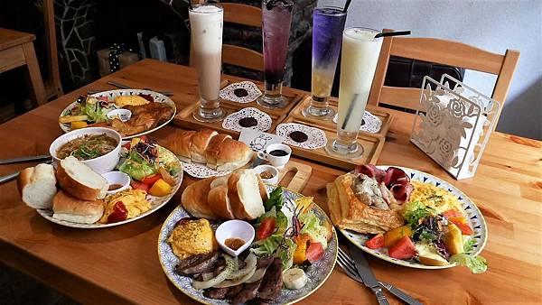 【台南市-中西區】Mumu小客廳|藏身於巷弄的老屋中* ̄︶ ̄*帶著咖啡廳的愜意氛圍,提供現點現做的早午餐點~慢活輕享受v(=∩_∩=)フ