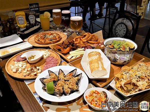 【台南市-中西區美食】在小西門『Beer Talk』跟百年酒廠的豪格&康尼森邂逅/水果成份高達26%的妹酒與男人味的MAN酒/未加一滴水純啤酒料理的比利時蒸淡菜/一場與比利時啤酒的相遇丫d=(´▽`)=b
