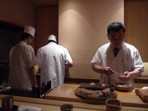 奧田和Su Chef們忙碌的準備中
