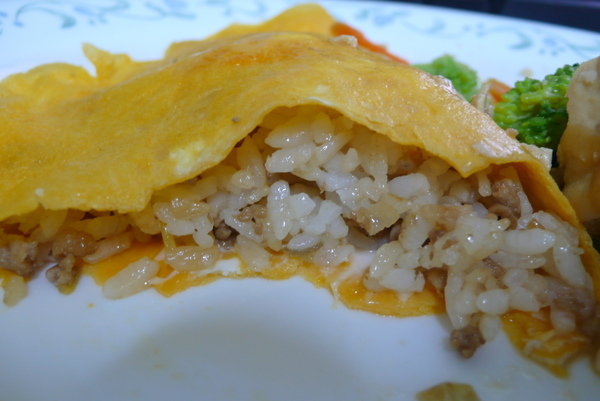 Mom's rice with a thin omlette on top 001.jpg