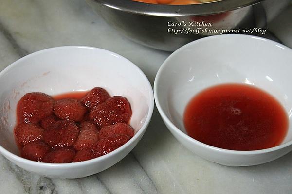 草莓餡心小蛋糕 04.JPG