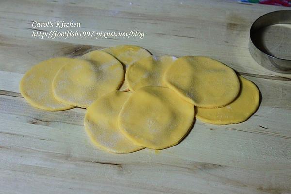 胡蘿蔔韭黃豬肉水餃 05.JPG
