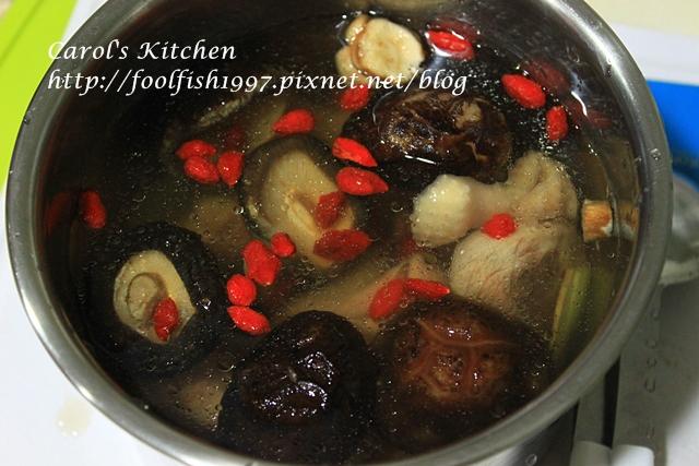 香菇雞湯IMG_2071