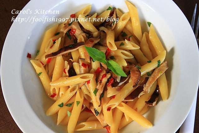 橄欖油清炒辣味野菇義大利麵IMG_4632