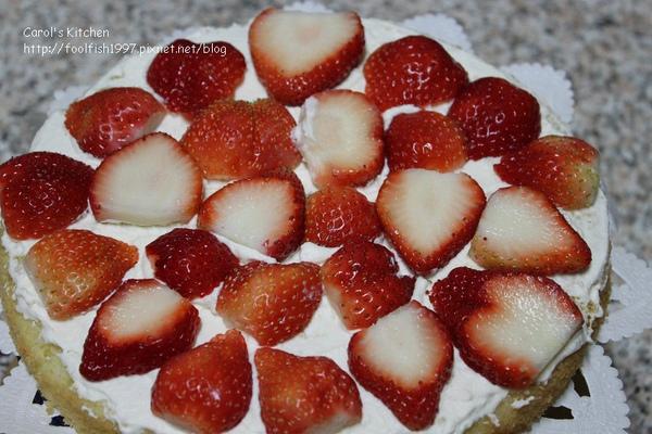 草莓奶油蛋糕 07.jpg