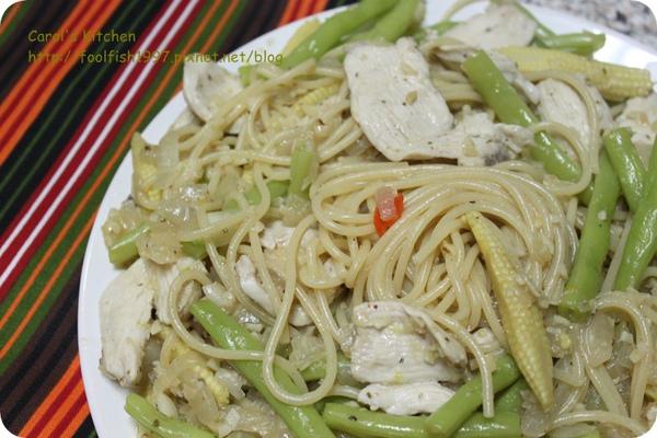 蒜味雞肉義大利麵 01.JPG