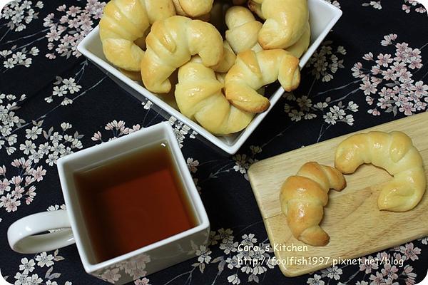 牛角麵包 01.JPG
