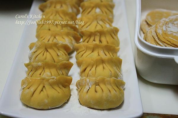 胡蘿蔔韭黃豬肉水餃 07.JPG