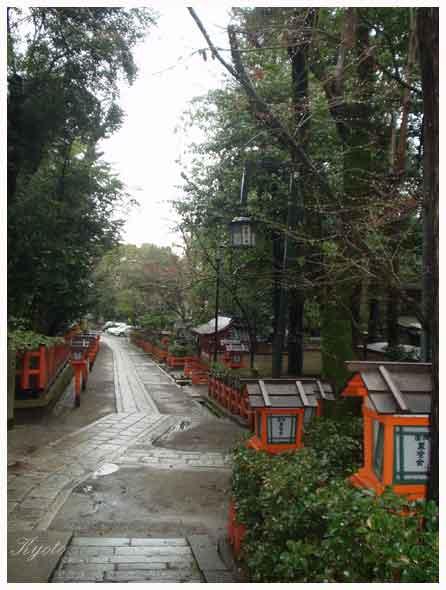 035. 八坂神社的紅色大鳥居