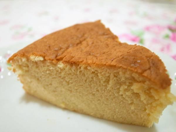1.椰香海線蛋糕切塊.JPG