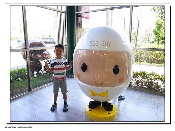 25.Gino與egg boy.JPG