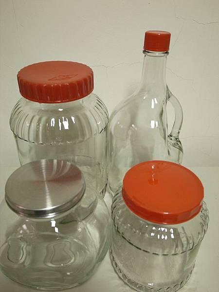3.清洗消毒瓶子.jpg