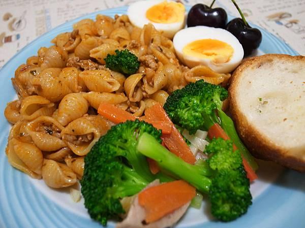 1.蕃茄義大利貝殼麵餐.JPG