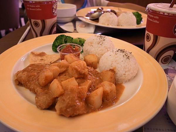 25.伯朗咖啡吃晚餐.JPG