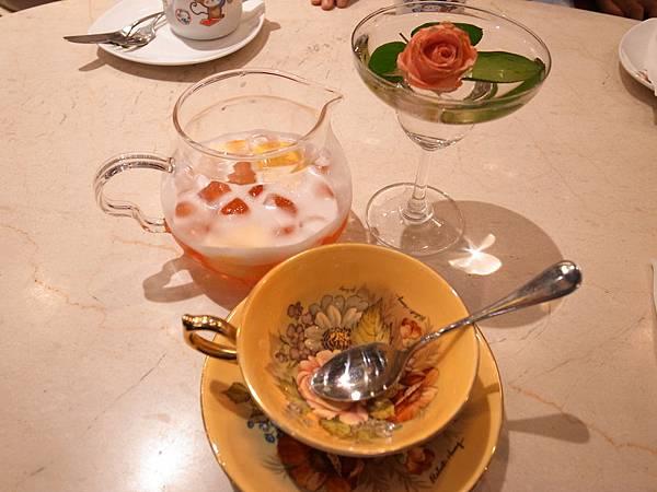 18.先上壺玫瑰水果冰茶.JPG