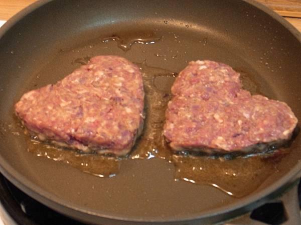 5.煎漢堡肉.jpg