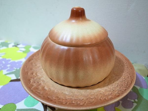 2-2.洋蔥陶碗.jpg