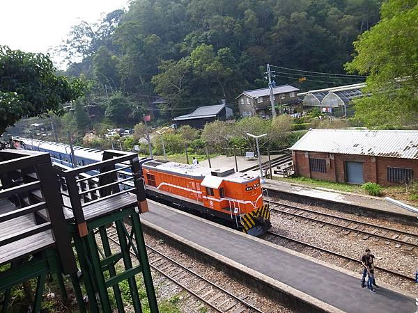 8.俯視柴油火車.jpg