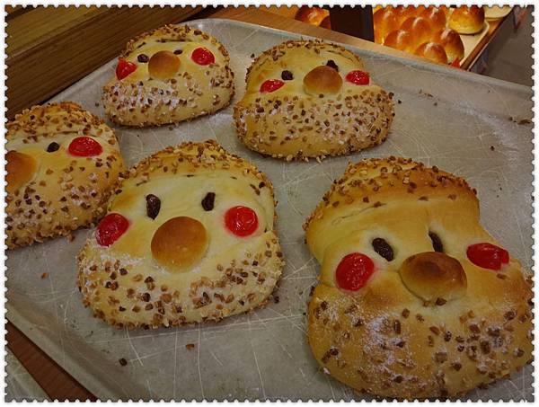 12.山崎的聖誕老人麵包.jpg