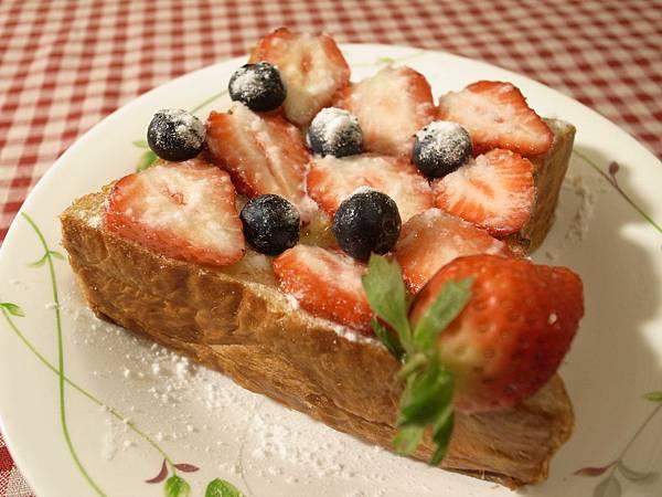 19.草莓季的自製甜點.jpg