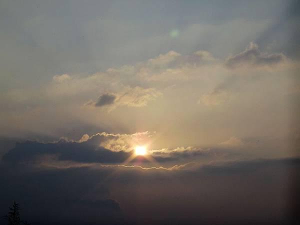 1.撥雲覓得夕陽美