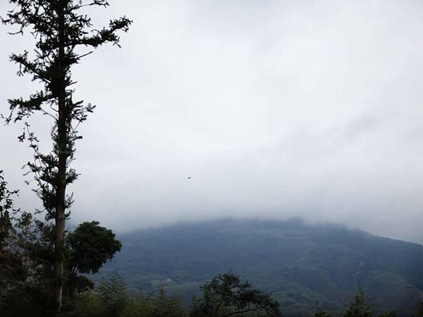 13.霧氣未散的早晨