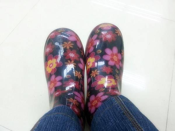 6.花兒雨靴