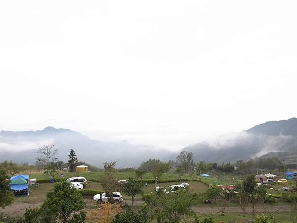11.只在雲深的山中