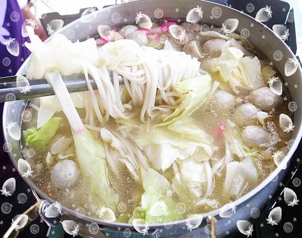 火鍋料雞湯麵