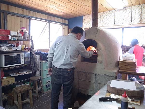 9.Pizza進爐烤
