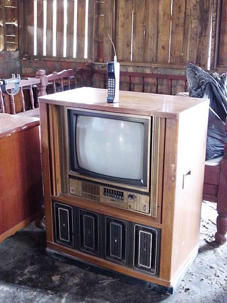 4.老電視老手機