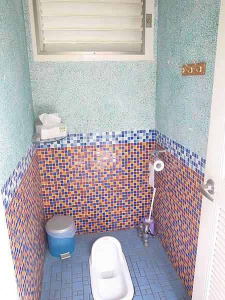 11.乾爽清新的廁所