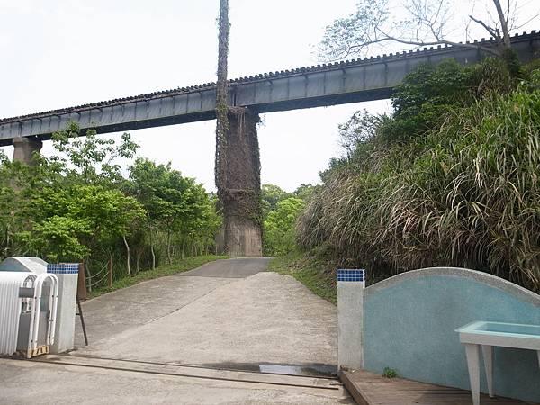 27.薪山線緊鄰魚藤坪橋
