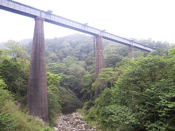 33.高高在上的魚藤坪橋