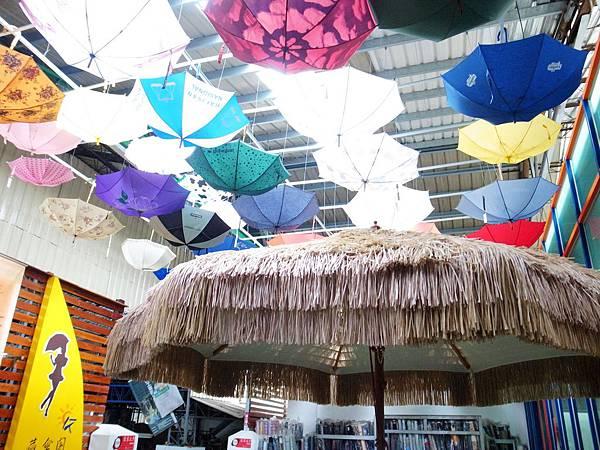 12.南洋風的遮陽大傘