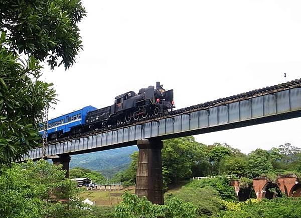 6.CK124火車頭