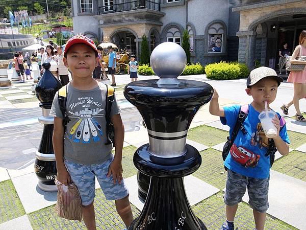 6-2兩兄弟玩大棋