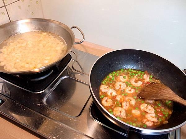 5.兩鍋齊開煮