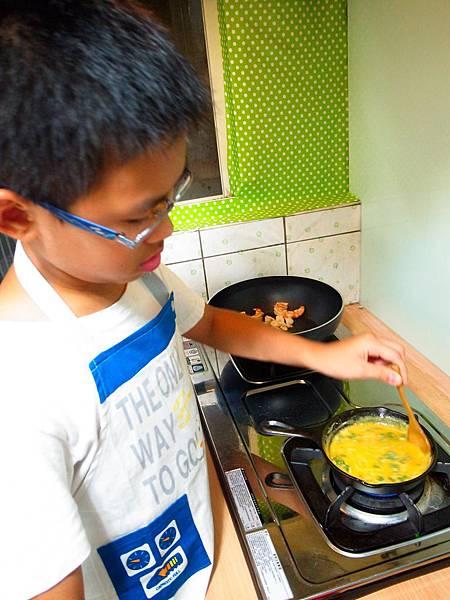 7.攪拌煎蛋